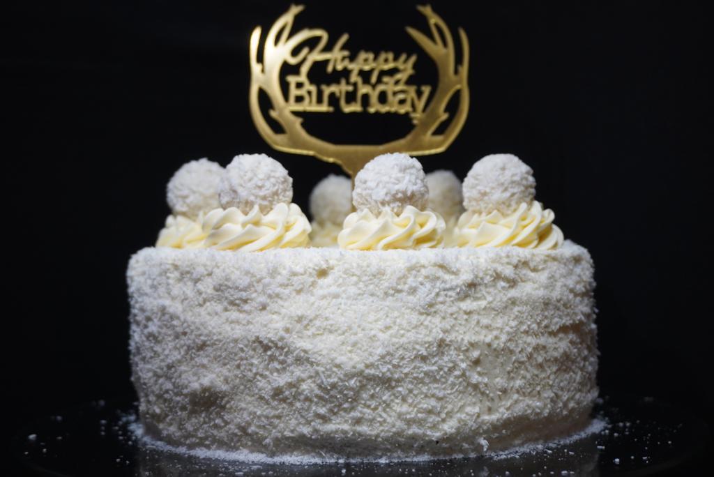 Read more about the article No Bake Raffaello-Kokos-Torte